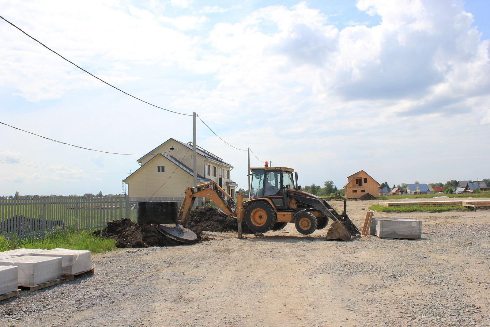 Строительство домов в посёлке